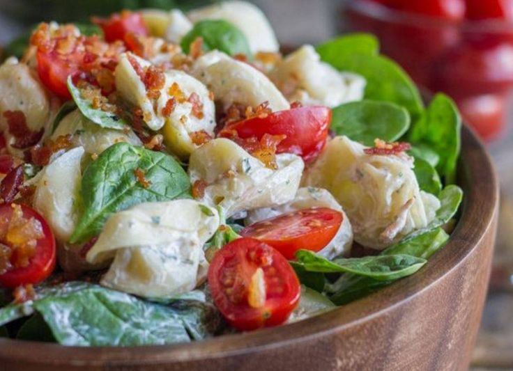 Κρύα σαλάτα με μακαρόνια και ντοματίνια Δροσερή  & γευστική απόλαυση.