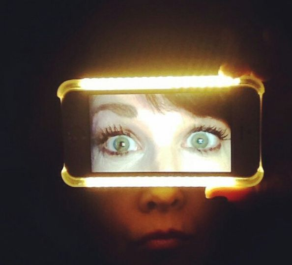 Now this is a cool selfie! #LuMeeCase