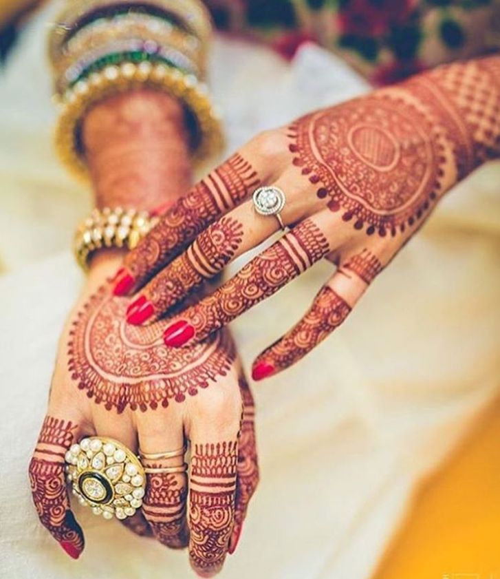 Indian cocktail ring! Royal bride essentials. #cocktailRing #Traditional #jewelry #IndianJewellery #Henna #mehendi #wedzo #wedzowedding #ring
