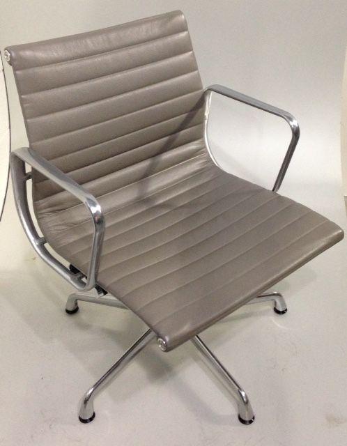 $895 Mid Century Vintage Herman Miller Eames Aluminum Group Management Desk Chair  Leather 150 Available!