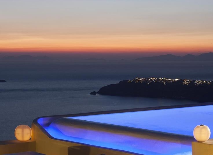 Sunset Unlimited ... La Maltese Estate Santorini