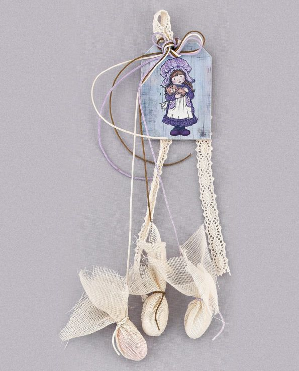 Christine dreamed for her baby girl's baptism romantic Victorian style favors. Sarah Kay was the first figure came to my mind before creating this unique nostalgic bomboniera. What do you think?  #baptism #christenings #bombonieres #favors #sarahkay #romantic #girl #victorianstyle #lovemyjob #preciousandpretty
