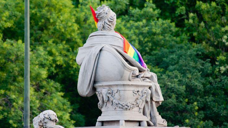 La Cibeles de Madrid durante la marcha del Orgullo Gay