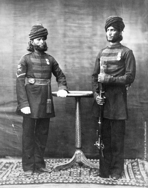 Two uniformed soldiers of the Indian army. (Photo by Otto Herschan/Getty Images). Circa 1850