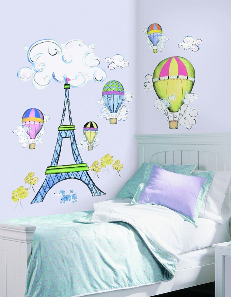 Creative wall design for youth rooms and children's rooms