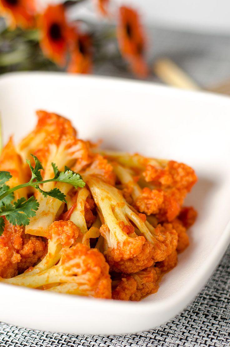 Stir-Fried Cauliflower with Tomato Sauce | Omnivore's Cookbook