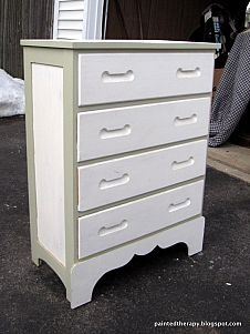 Homemade Chalk Paint RecipeKitchen Furniture, Bikes Dressers, Chalkpaint, Painted Furniture, Painting Furniture, Inspiration Bikes, Painting Kitchens, Diy, Kitchens Furniture