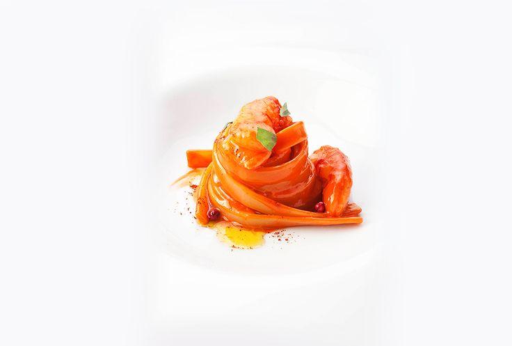 Niko Romito Fettuccelle di semola con gamberi rossi e pepe rosa foto di Brambilla Serrani