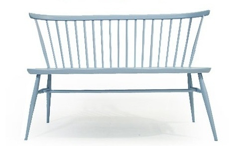 Anyone have a bench that resembles this one? I want one!!!