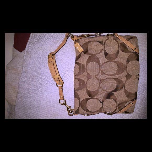 Coach handbag Looks brand new Coach Bags Satchels WoW! So beautiful bags 38.5$!