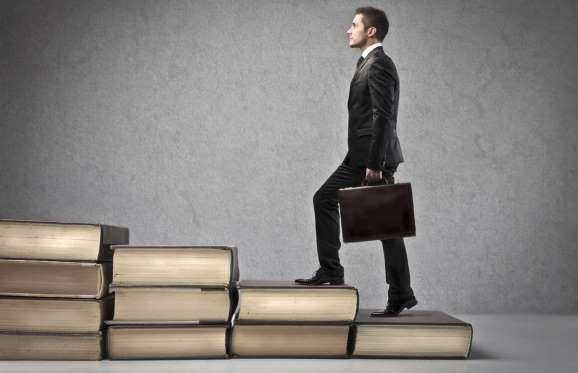 Abrir o próprio negócio é o objetivo de muitas pessoas. Para isso, é essencial pesquisar e buscar no... - Foto: Shutterstock
