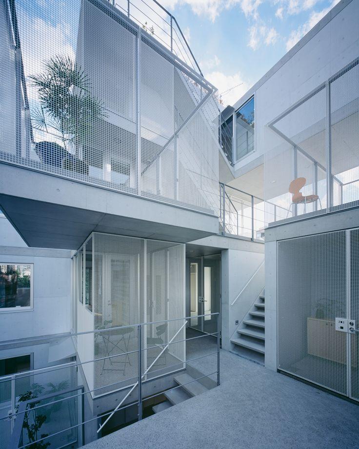 apartment in nishiazabu by SALHAUS has 10