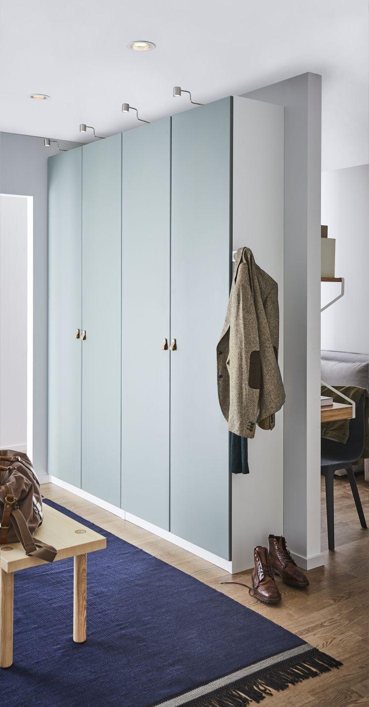 PAX garderobekast | IKEA IKEAnl IKEAnederland kast kledingkast opbergen opberger opbergmeubel kleding slaapkamer kamer inspiratie wooninspiratie interieur wooninterieur KOMPLEMENT