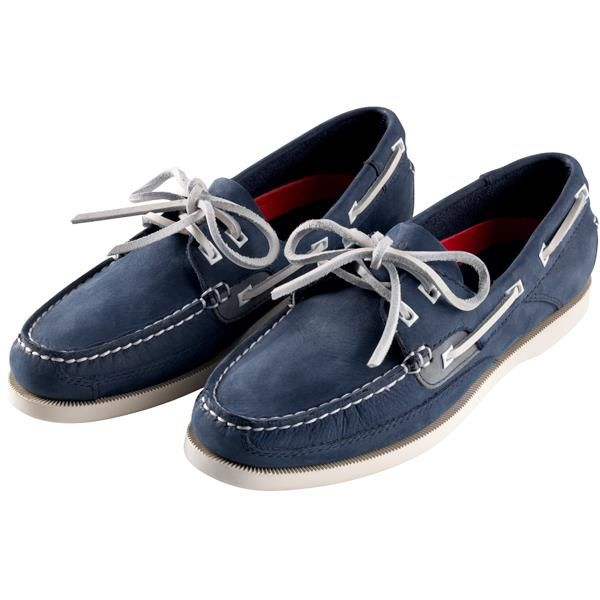 Gill Womens Baltimore 2 Eye Deck Shoe is a classic hand crafted leather deck shoe hand sewn in true moccasin that looks great on and off board. Available in Navy in sizes 37-42. #gill #ladiesshoes #deckshoes #sailing #sailingshoes