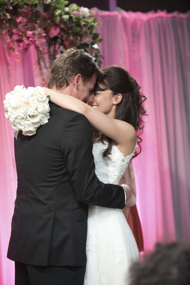 Lucas and Vanessa tied the knot! #romanceonramsaystreet