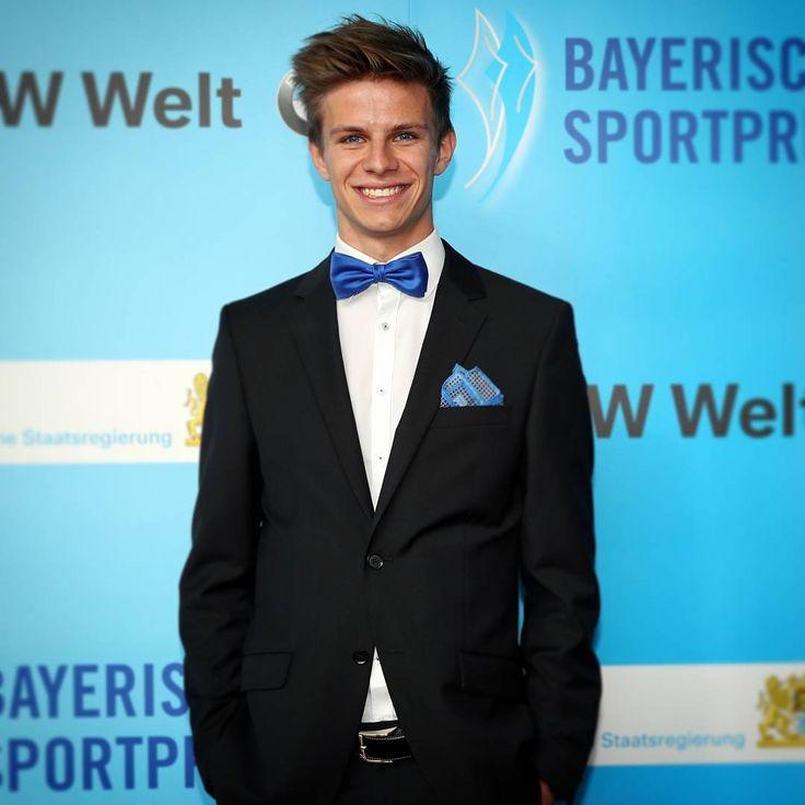 """Polubienia: 3,889, komentarze: 62 – Andreas Wellinger (@andreaswellinger) na Instagramie: """"Herzlichen Glückwunsch an alle Preisträger zum bayerischen Sportpreis 😊"""""""