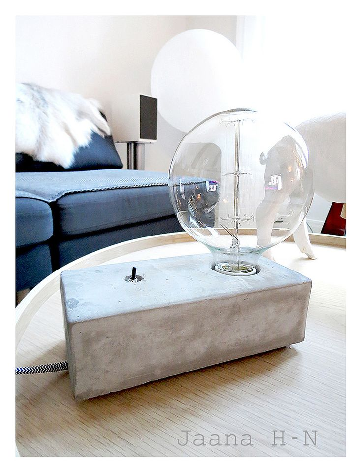 https://flic.kr/p/xPx9hU | Stella table lamp from Pholc | I love the little switch!