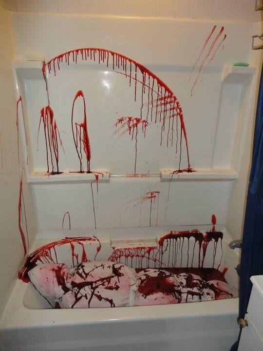 Bloody Bathroom scene | Halloween Ideas | Pinterest ...