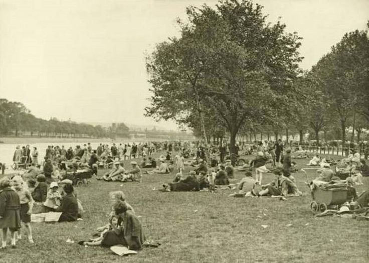 Bank Holiday crowds on the River Trent Victoria Embankment, Nottingham, c late 1930s.