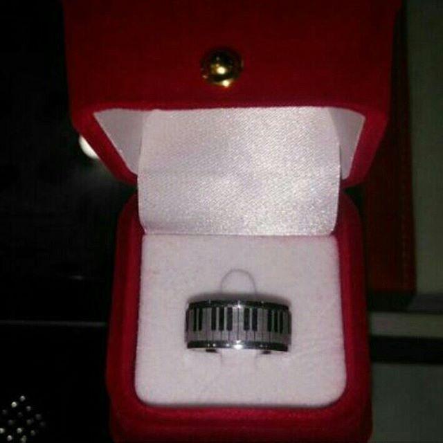 #alyans #aksesuar #alyans_store #moda #aşk #evlilik #evlilikteklifi #nisan #nikah #konsept #guvenlialisveris #gelin #takı #tektas #dugun #damat #hediye #love #bay #bayan #yuzuk #gelin #damat #hediye #takı #mutluluk #mutluluklar #aile #tasarim #sevgili #elisialyansmodeli #alyansmodelleri #dugunhazırlıkları #kargobizden