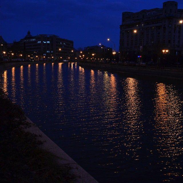 Can #Bucharest pull the romantic city look? #roaringromania