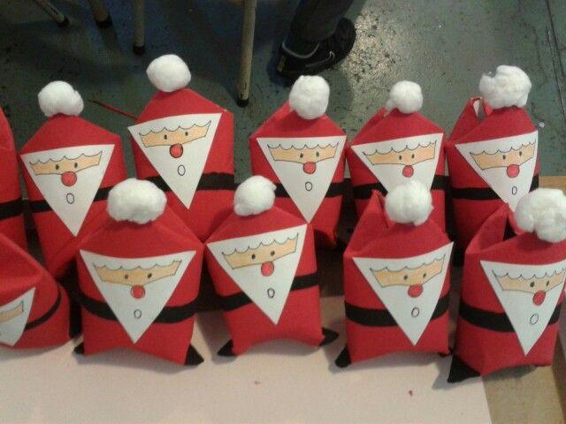 Papa Noel con tubos de papel higienico