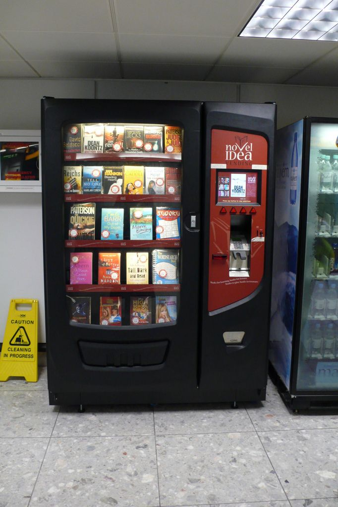 Best Book Zine Vending Machines Images On Pinterest Books - Monkey knows how to operate vending machine
