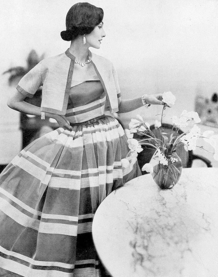 Vogue May 1952