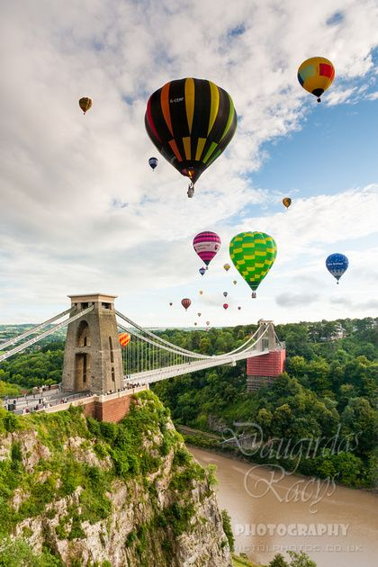 Bristol Balloon Fiesta.... Id love to go up in one but Im scared!