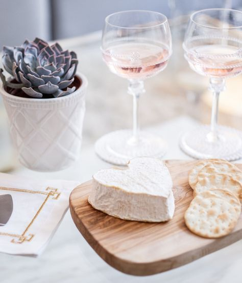 Cheese + crackers: http://www.stylemepretty.com/living/2015/09/16/behind-the-blog-the-fashionable-hostess/ | Photography: Lindsey Grace - http://lindseygrace.com/