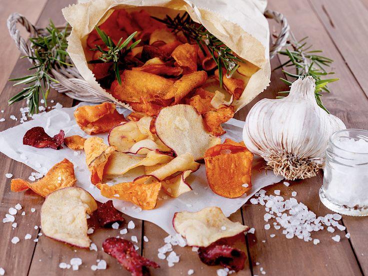 ♠, ✖   Gemüsechips: Süßkartoffeln, Grünkohl, Zucchini, Rote Bete, Topinambur, Aubergine, Karotten