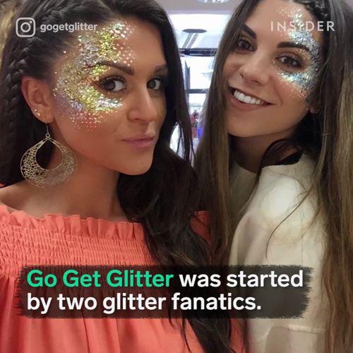 Zanurzcie się w świecie brokatu. Propozycja dla odważnych na letnie festiwale  #beautymania #glitter #makeup https://video.buffer.com/v/58fcdb65d5b62f10514ea81e