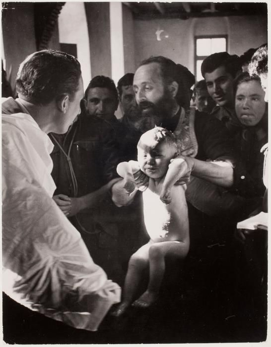 David Seymour Βάπτιση κάπου στην Ελλάδα,περ.'50.