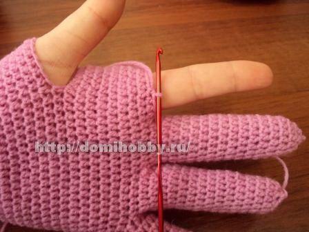 Crochet knitting gloves