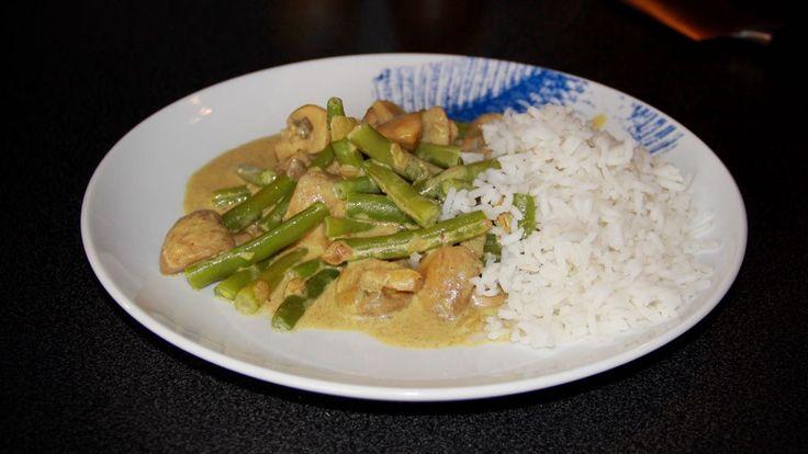 Champignons Tandoori is een lekker vegetarisch recept met sperziebonen en rijst en natuurlijk de lekkere kruidige Tandoori saus.