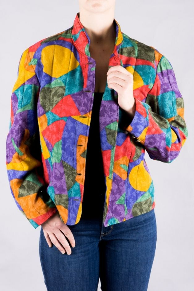 Das farbenfrohe Vintage-Blouson aus den 90ern macht jedes Outfit besonders/ style up your outfit with this colorful 90s vintage blouson made by VintageKollektiv via DaWanda.com