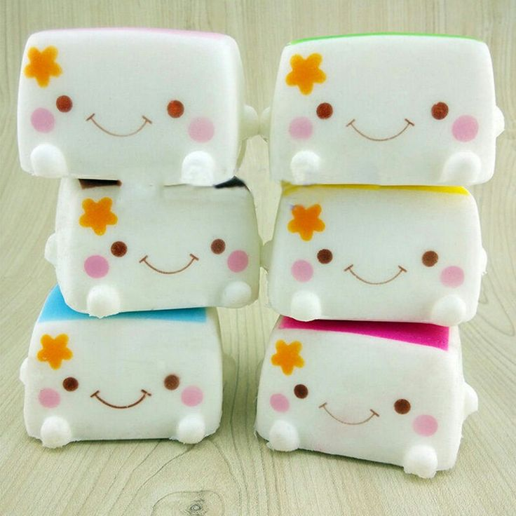Kawaii Squishies. Need to get some!! ( I have the pink one)