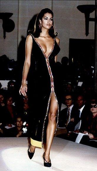 Yasmeen Ghauri - Gianni Versace, 91'