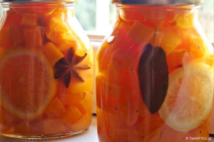 Η κόκκινη κολοκύθα σε κονσέρβα είναι ο ιδανικός τρόπος να κρατάς διαθέσιμη τη γλύκα αυτού του υλικού, για άμεση χρήση σε γλυκά και αλμυρά πιάτα.