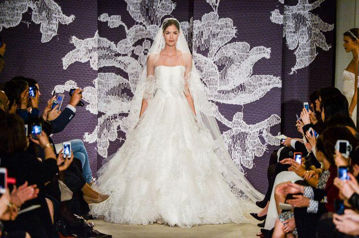 Suknie ślubne 2015: Carolina Herrera wiosna 2015, fot. Imaxtree