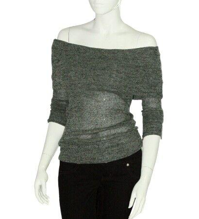 Blusa gris sin hombros