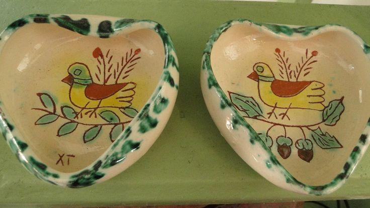 Pequenos pratos com pássaros. Olaria alentejana.