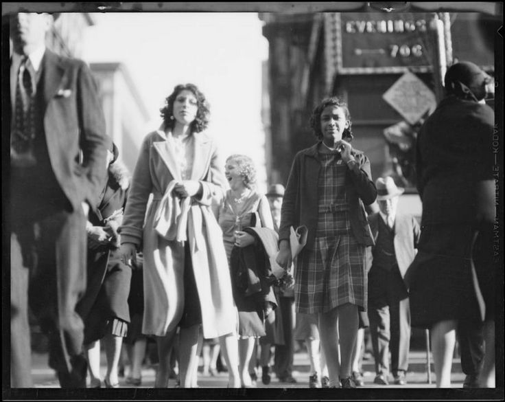 "USC Digital Library on Twitter: ""A beautiful winter day at 7th & Broadway, Los Angeles, CA, 1930 http://t.co/IyiVj5akWJ via @USCdiglib #DTLA http://t.co/V5nFqUa2ip"""