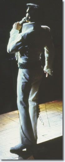 ♡♥Elvis wears 'Thin Green Leaf' jump suit performing in Phoenix, Arizona on September 9th,1970♥♡