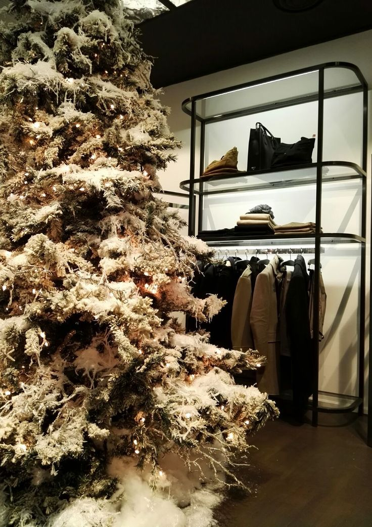 Christmas time is in the air!! #Spinnaker37 #mensfashion
