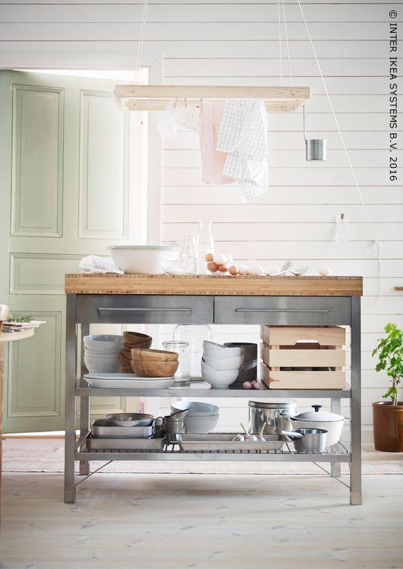 un lot de cuisine d di la pr paration de repas et de. Black Bedroom Furniture Sets. Home Design Ideas
