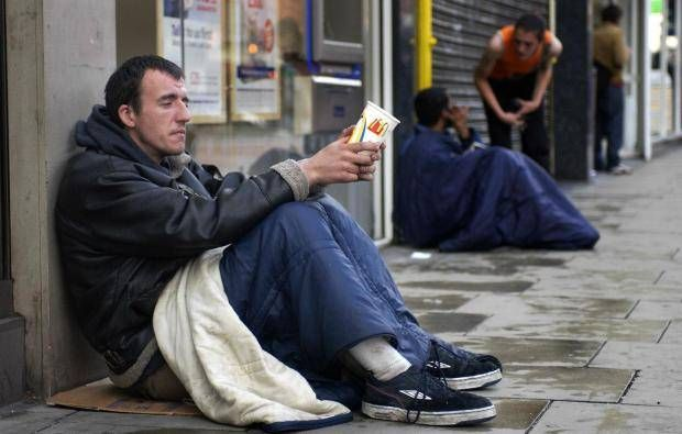 Pictures Of People Helping The Homeless
