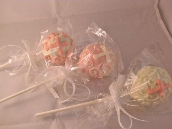 Cake Pop Centerpieces For Baptism : 84 best images about First Communion on Pinterest ...
