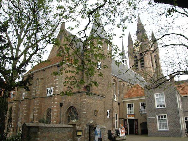 Het prachtige gebouw van Museum Prinsenhof Delft https://www.fijnuit.nl/1107/museum-prinsenhof-delft