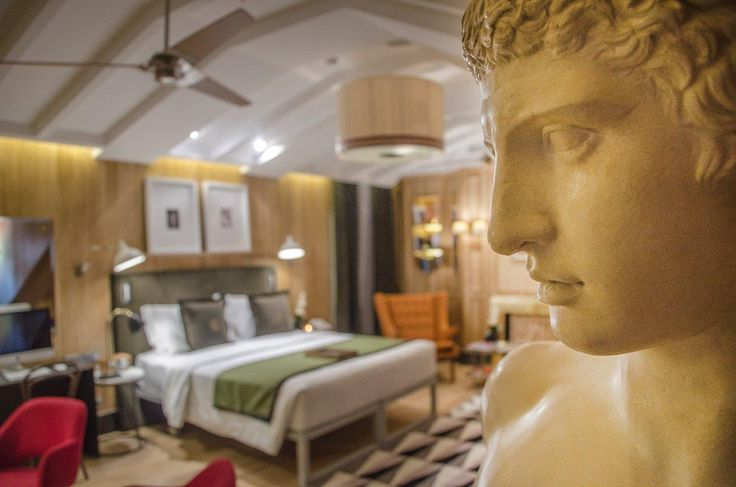 Master Suite - Brown's Central Hotel